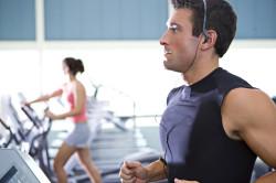 Большие физические нагрузки-причина насморка с кровью